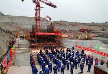 天府国际机场四川航空基地�{�7个项目开工 �q�度投资33亿元